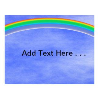 Arco iris colorido y cielo azul del verano folleto 21,6 x 28 cm