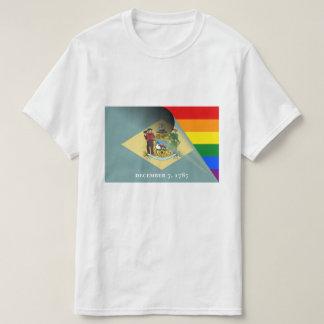 Arco iris del orgullo gay de la bandera de camiseta