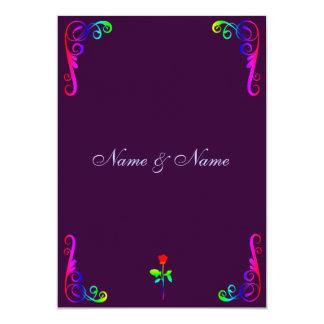 Arco iris gay y púrpura de la invitación del boda