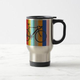 Arco iris multicolor rayado de la bici taza de viaje