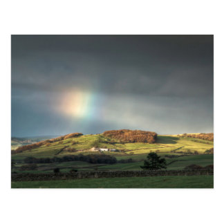 Arco iris sobre una ladera de Lancashire Postal