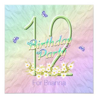 Arco iris y 12ma fiesta de cumpleaños de las invitación 13,3 cm x 13,3cm