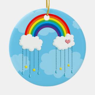 Arco iris y nubes que llueven las estrellas adorno navideño redondo de cerámica
