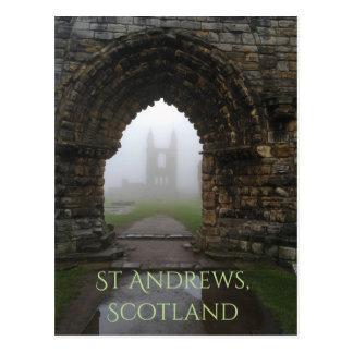 Arcos de la catedral de Saint Andrews, Escocia en Postal