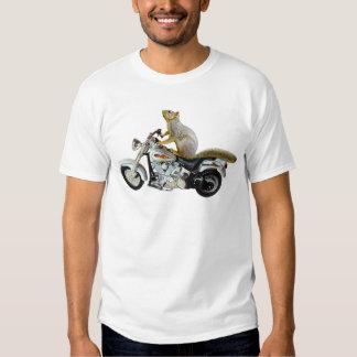 Ardilla en la motocicleta camiseta