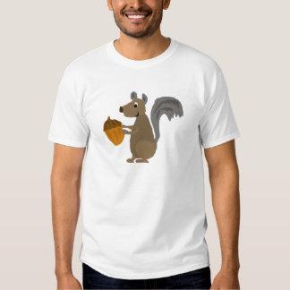 Ardilla gris divertida con la bellota camiseta