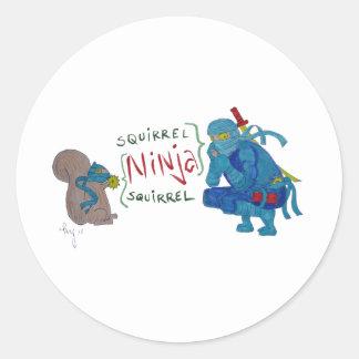 Ardilla Ninja/dibujo animado de la ardilla de Pegatina Redonda