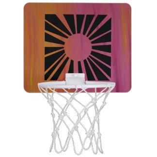 Aro de baloncesto rosado y anaranjado del