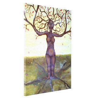 """Arte """"arraigado"""" de la diosa del árbol"""