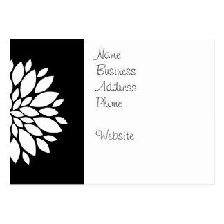 Arte bonito de los pétalos de la flor blanca en tarjetas de visita grandes