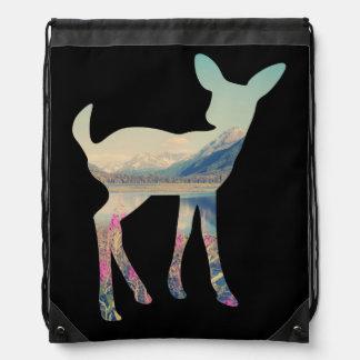 Arte de la montaña de los ciervos mochilas