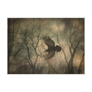 Arte de la naturaleza del cuervo del arbolado