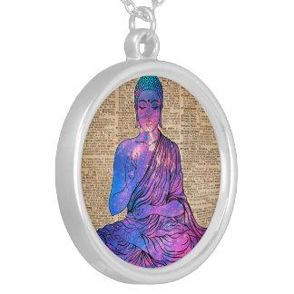 Arte del diccionario del vintage de Buda del Collar Plateado