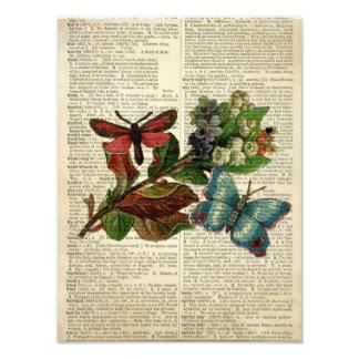 Arte floral de la mariposa en la página del diccio fotografías