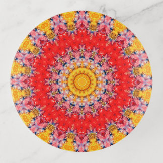 Arte rojo y amarillo colorido de la mandala