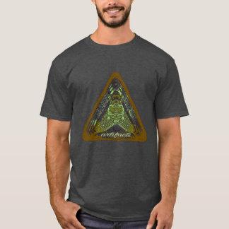 ¿artefactos - algo en su pecho? T3 del logotipo Camiseta