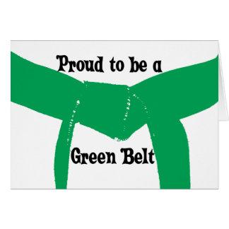 Artes marciales orgullosos ser un cinturón verde tarjeta pequeña