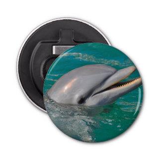 Ascendente cercano del delfín abrebotellas redondo