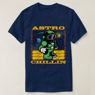 Astro Chillin Camiseta