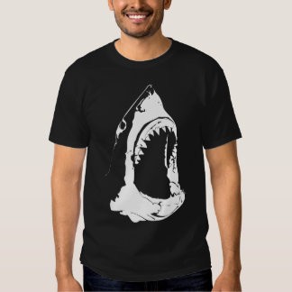 Ataque del tiburón camiseta