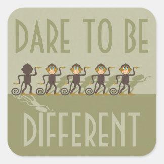 Atrévase a ser diferente, monos, safari pegatina cuadrada