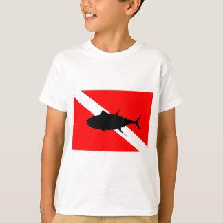 Atún de la bandera de la zambullida camiseta