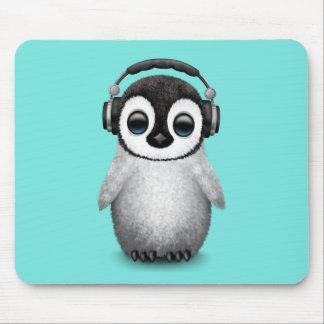 Auriculares que llevan de DJ del pingüino lindo Alfombrilla De Ratón
