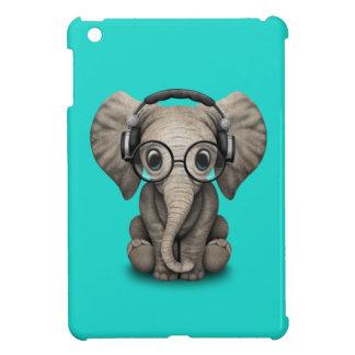 Auriculares que llevan y vidrio de DJ del elefante