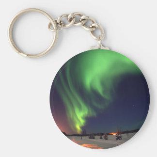 Aurora boreal en el lago bear llavero redondo tipo chapa