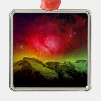 Aurora rosada Borealis del flor sobre una montaña Adorno Navideño Cuadrado De Metal