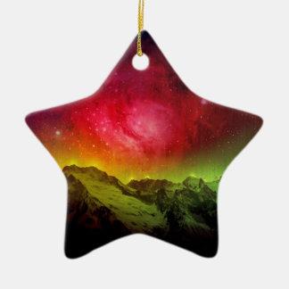 Aurora rosada Borealis del flor sobre una montaña Adorno Navideño De Cerámica En Forma De Estrella