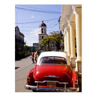 Auto americano clásico viejo en Guanabacoa una Postal