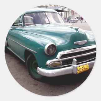 Auto del vintage en Cuba Pegatina Redonda