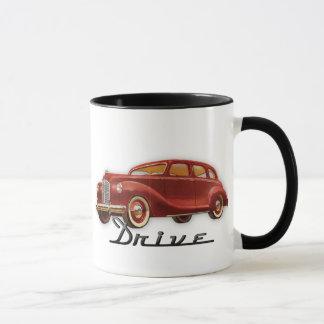 Auto retro clásico fresco del conductor de coche taza