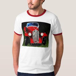 Auto rojo clásico camiseta