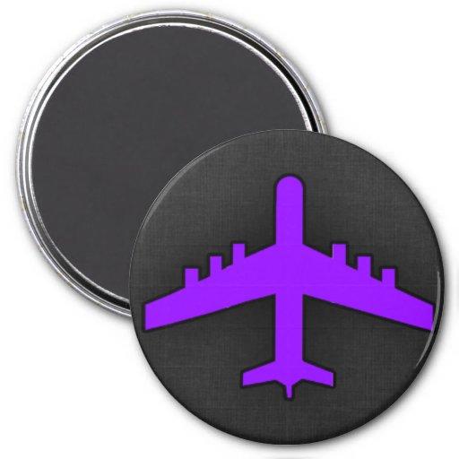Avión púrpura violeta; Piloto Imanes