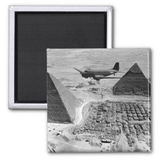 Aviones de transporte de WWII que vuelan sobre las Iman De Frigorífico