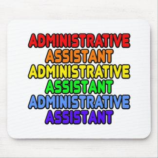 Ayudante administrativo del arco iris tapete de ratón