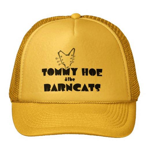 Azada de Tommy y el gorra de Barncats
