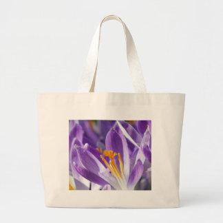Azafrán violeta de la primavera bolsa tela grande