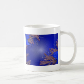 Azul del Poinsettia del navidad Taza Básica Blanca