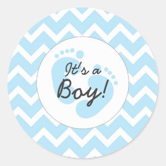 azul es sellos del muchacho de un sobre de la pegatina redonda