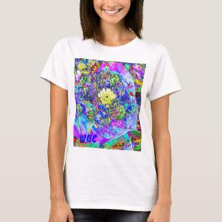 Azul fluorescente, lavanda y adorno floral camiseta