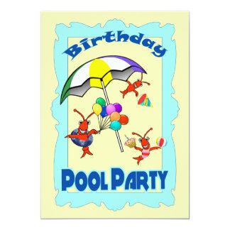 Azul lindo del niño de la fiesta en la piscina de invitaciones personales