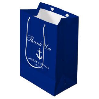 Azul náutico del ancla del boda bolsa de regalo mediana