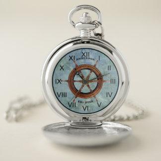 Azul náutico del reloj de bolsillo del timón de la