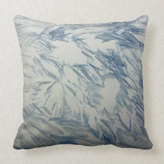 Azul y blanco de la almohada de la decoración del