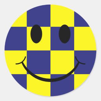 Azul y cara sonriente comprobada amarillo pegatina