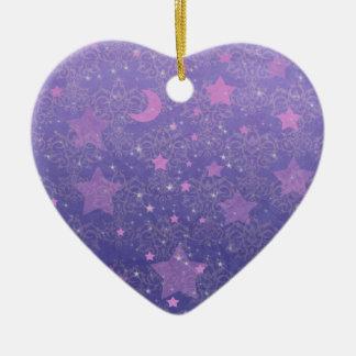 Azul y estrellas y lunas de la púrpura adorno de cerámica en forma de corazón