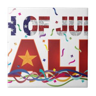 Azulejo 4to del texto de la venta de julio con confeti de